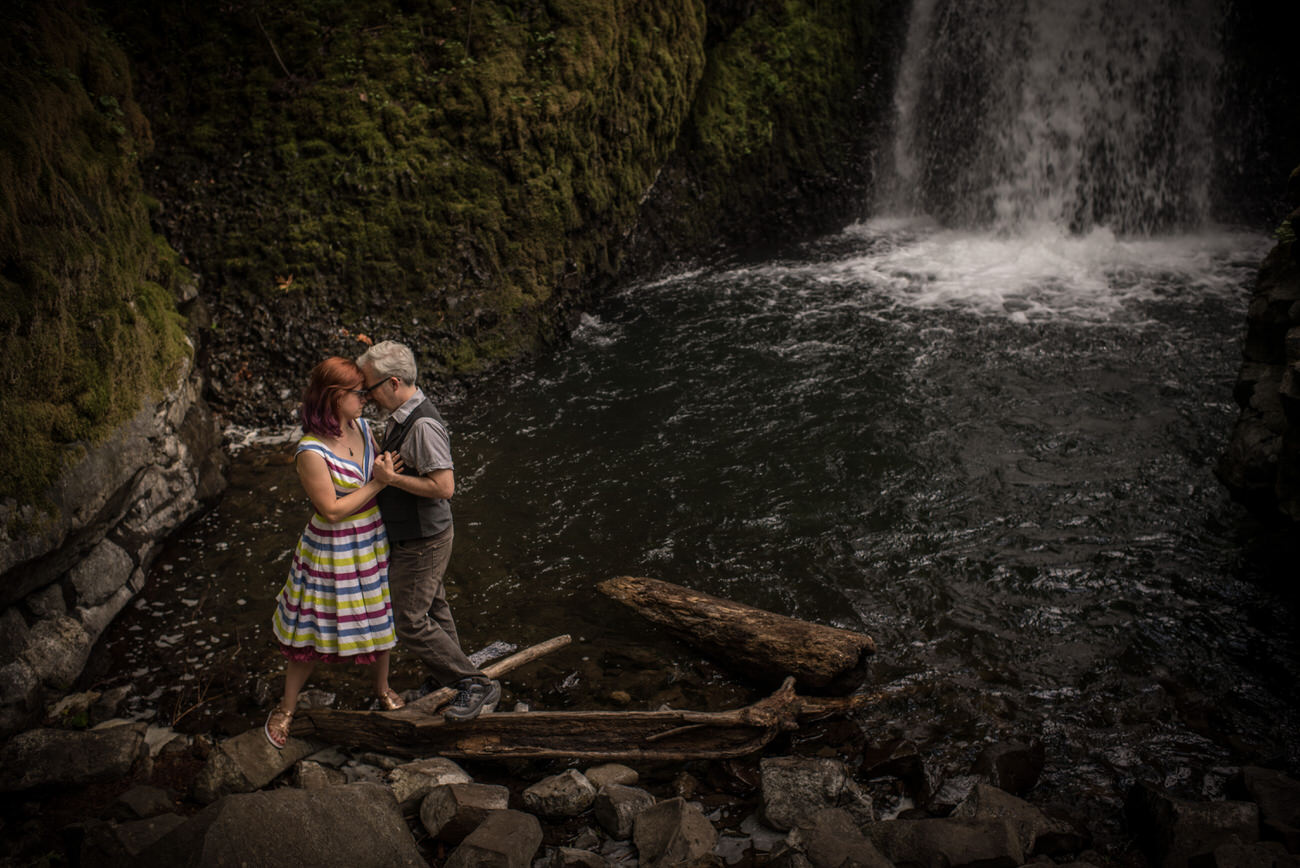 Portland_elopement_wedding_untraditional_wedding_photographers_42.jpg