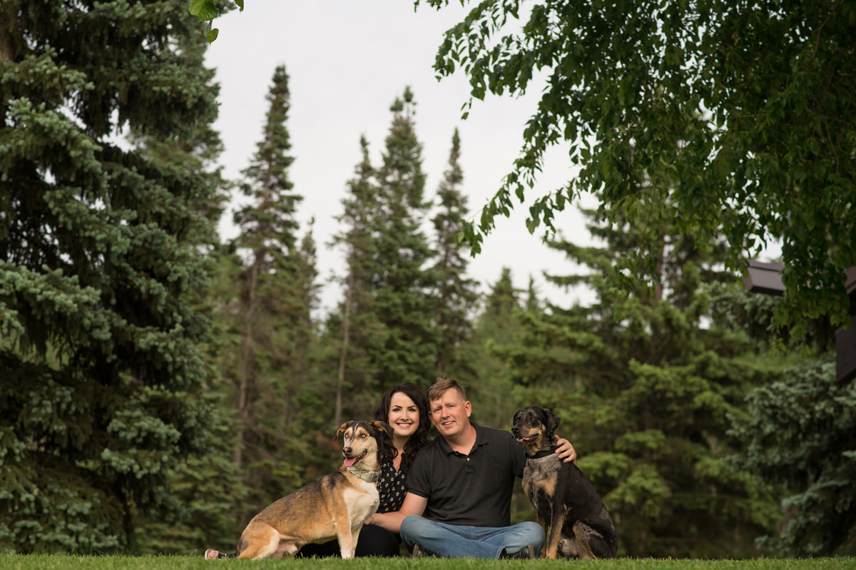 Edmonton-wedding-photographers-engagement-dogs-nicole-bryan-02.jpg
