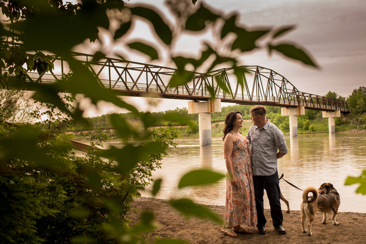 Edmonton-wedding-photographers-engagement-dogs-nicole-bryan-06.jpg