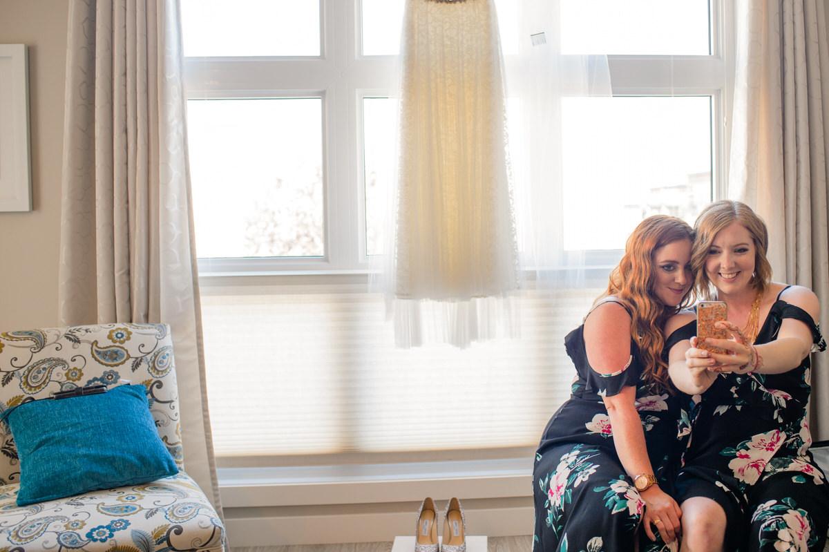 Edmonton-wedding-photographers-cafe-linnea-priyanka-clayton-03.jpg