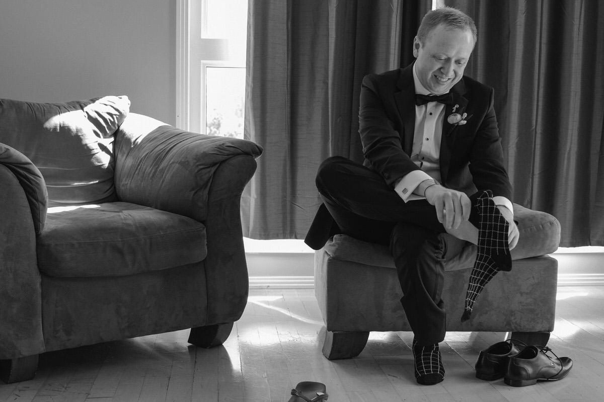 Edmonton-wedding-photographers-cafe-linnea-priyanka-clayton-05.jpg