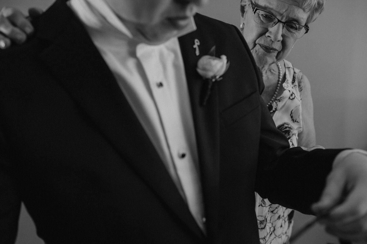 Edmonton-wedding-photographers-cafe-linnea-priyanka-clayton-07.jpg