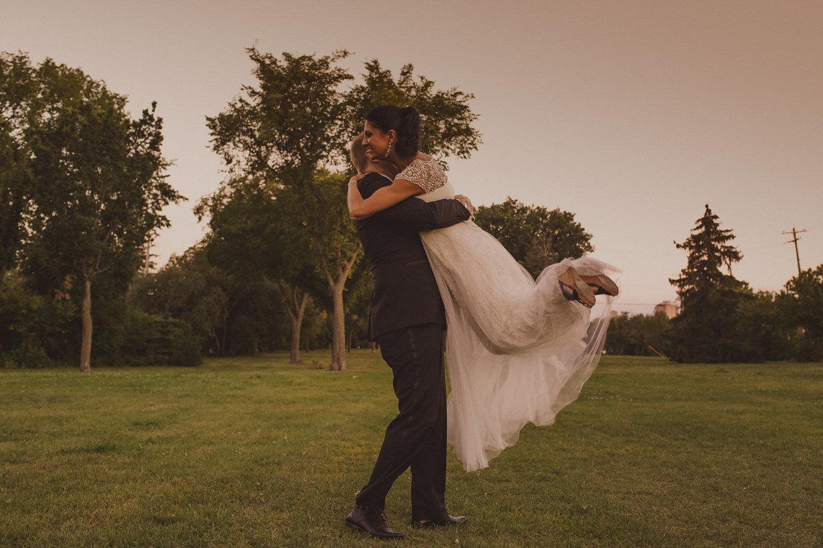 Edmonton-wedding-photographers-cafe-linnea-priyanka-clayton-43.jpg