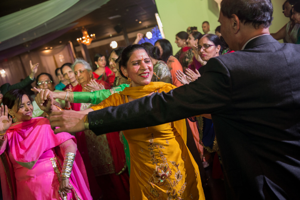Edmonton-wedding-photographers-Sikh-wedding-09.JPG