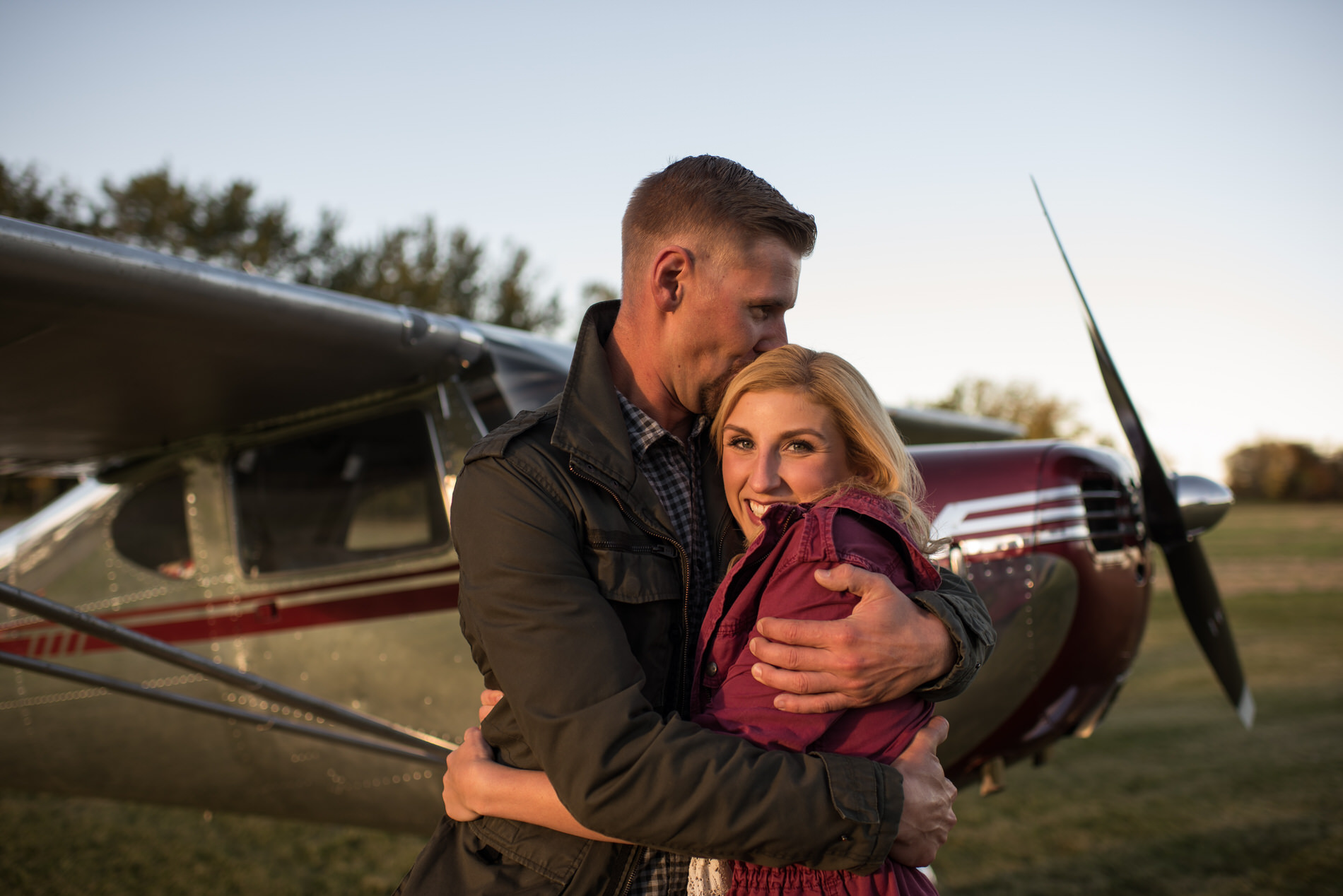 Edmonton_plane_airport_rolls_royve_engagement_photo_karen_ben_09.jpg