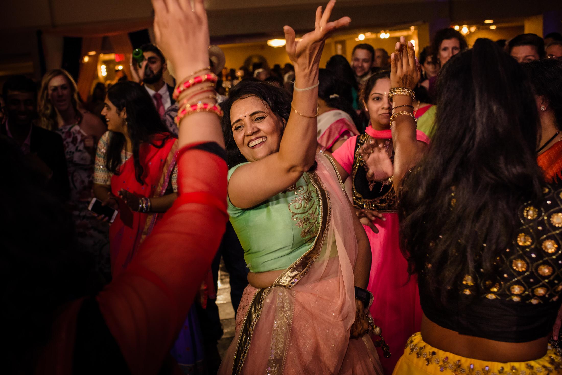 SwathiNeil_hindu_wedding_edmonton_photographer_69.jpg