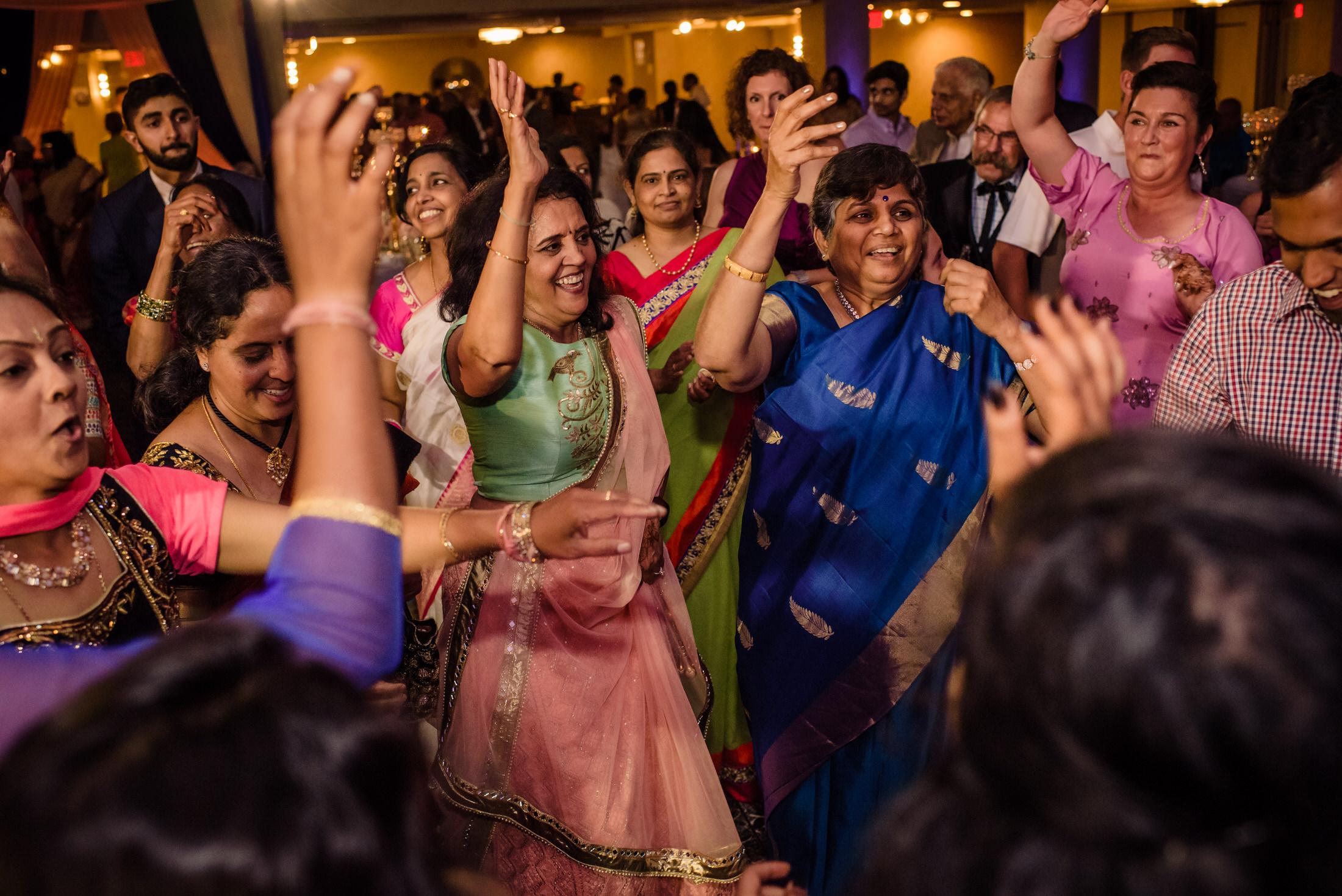 SwathiNeil_hindu_wedding_edmonton_photographer_70.jpg