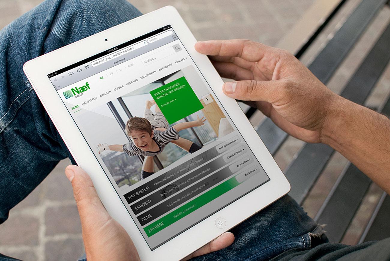Naef_Tablet.jpg