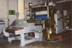 PRIME UV's UV Conveyor System shown curing UV coatings in-line with a Meihle Sheetfed Press.