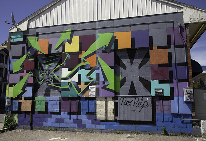 Burlington_NoPulp_Graffiti_sm.jpg
