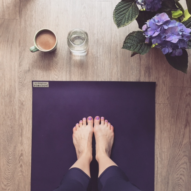 Coffee, water, yoga and flowers. Who could ask for a better morning?!