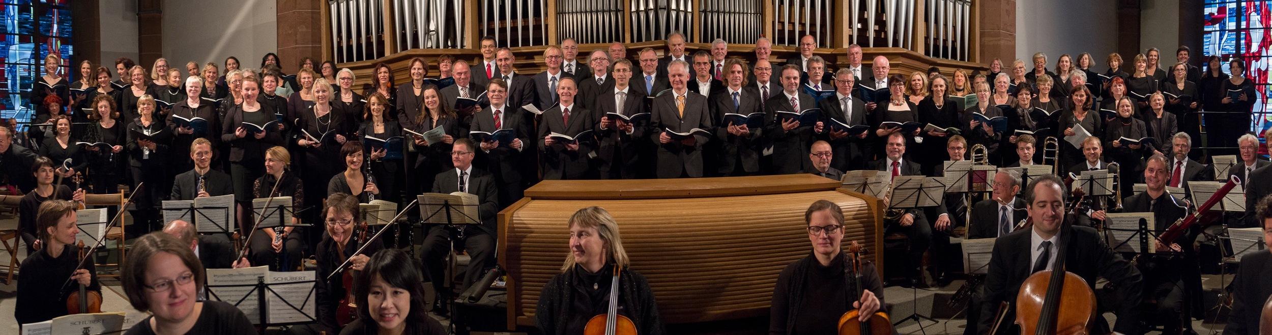 Der Chor von St. Bonifatius beim Konzert auf der Orgelempore am 3.10.2013. Foto: Benjamin Dahlhoff