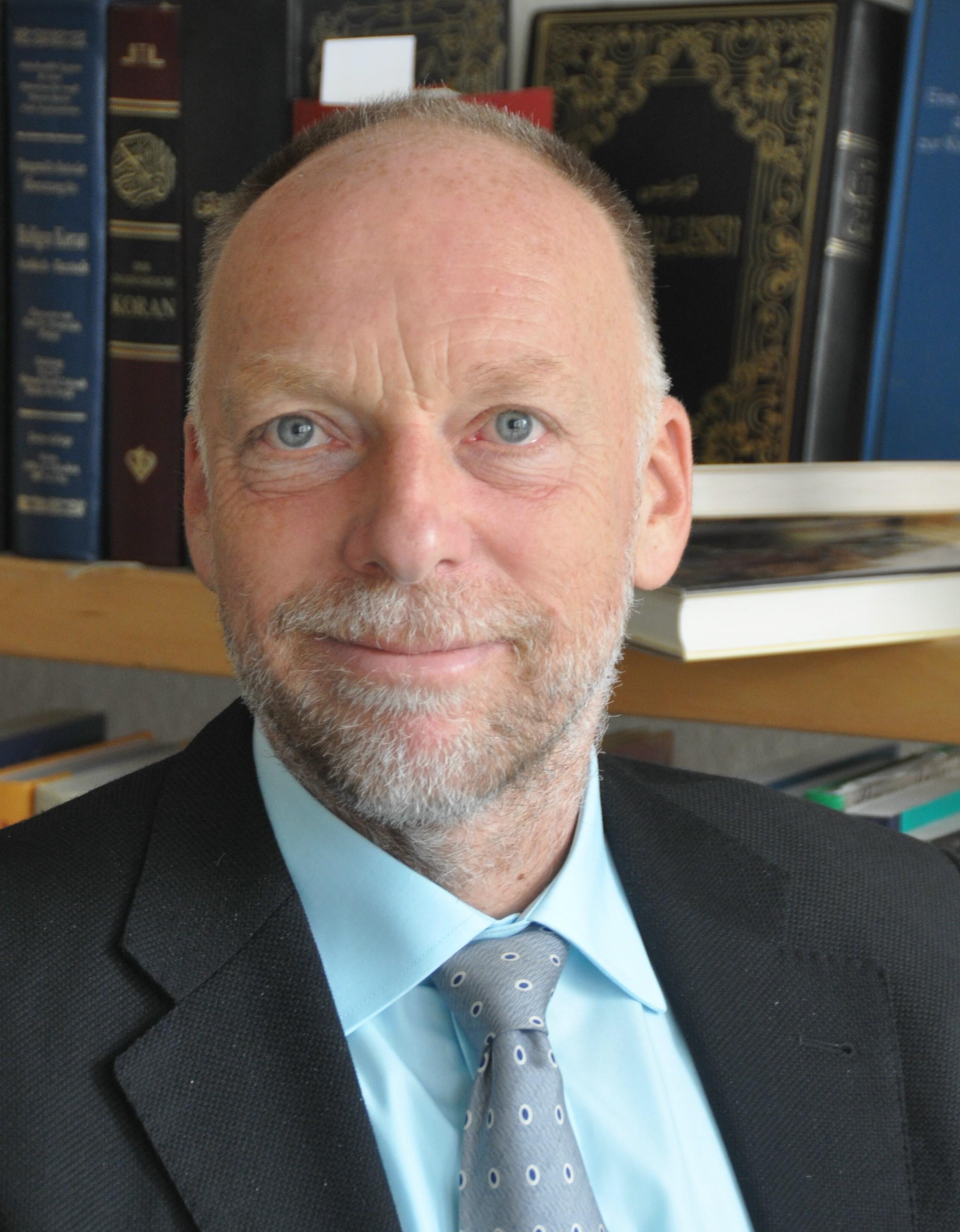 Dr. Frank van der Velden ist seit 1.8.2014 Leiter der katholischen Erwachsenenbildung in Wiesbaden und hat zuvor 17 Jahre in Ägypten und in den Ländern der Region des Nahen Orients gearbeitet. Foto: Bistum Limburg