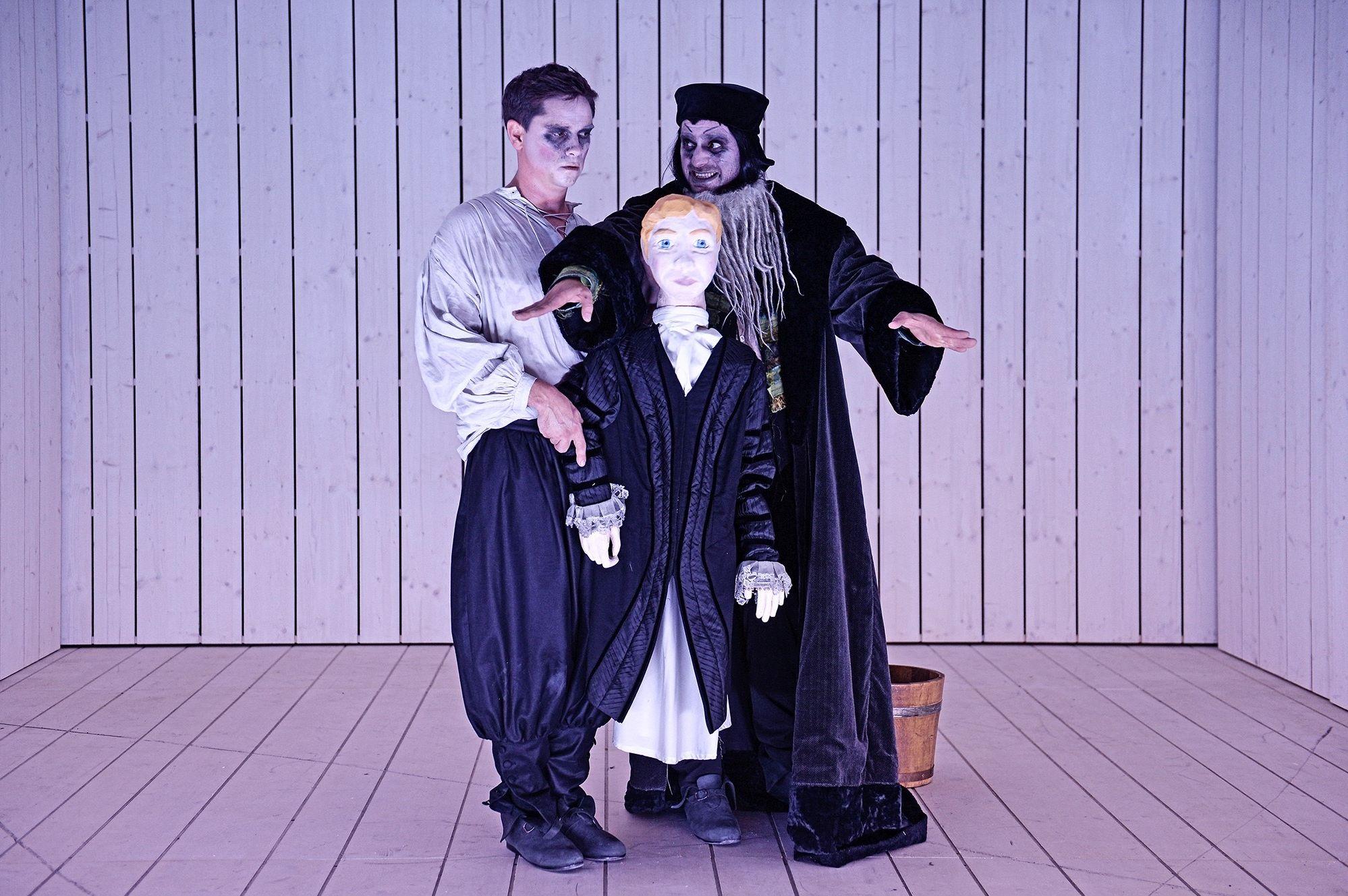Fotos: Andreas Etter / Hessisches Staatstheater Wiesbaden