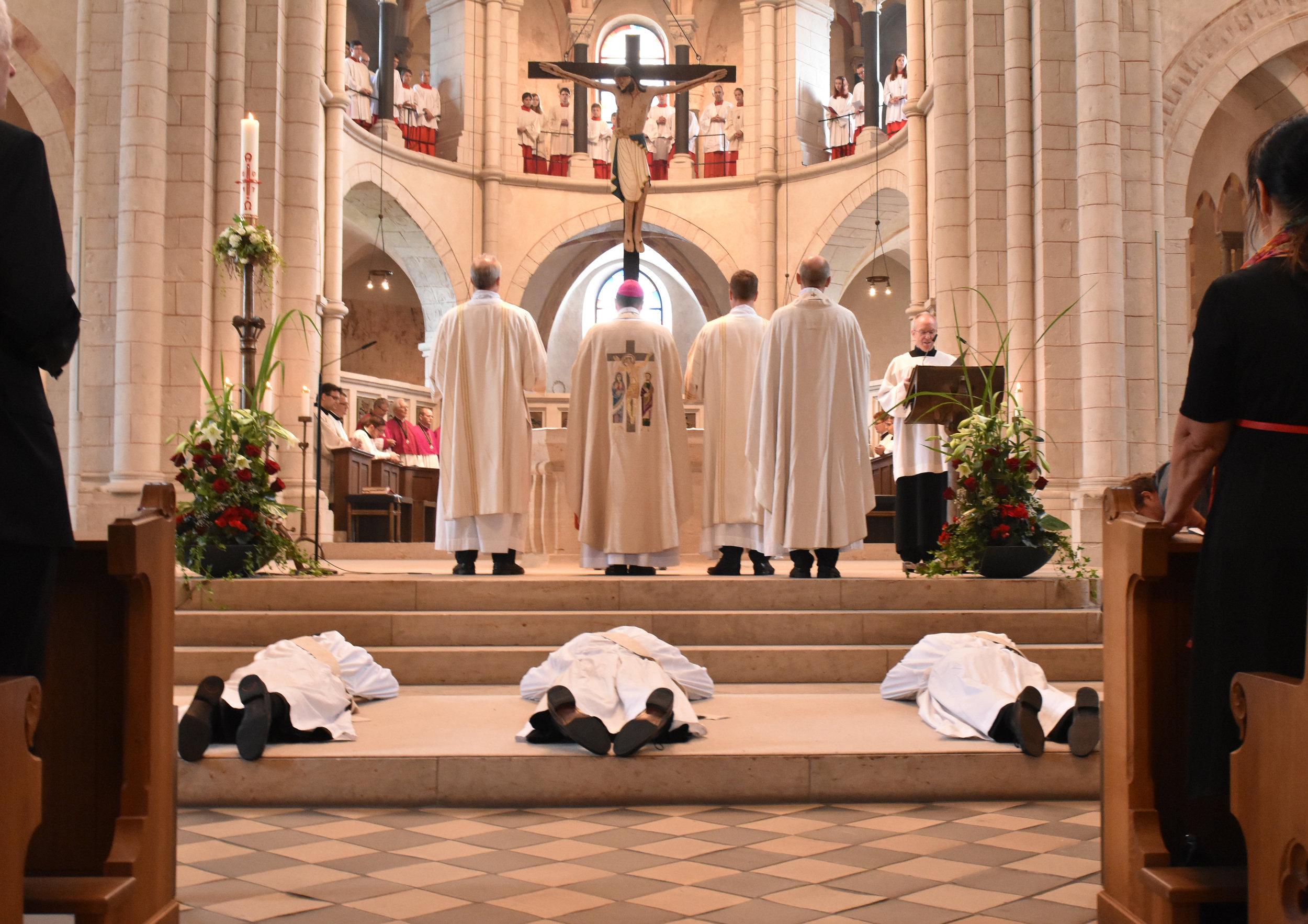 Priesterweihe_Symbol.jpg