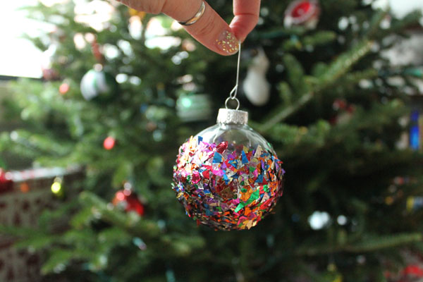 Confetti Christmas Ornament 11.jpg