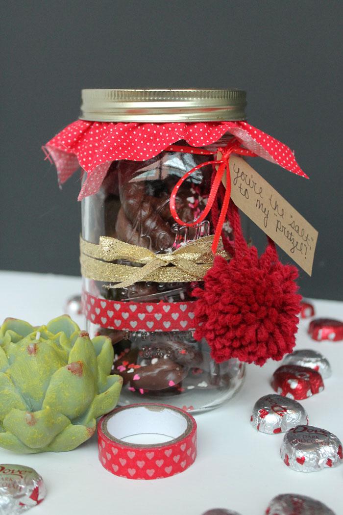 Pretzel Valentine Jar 5.jpg