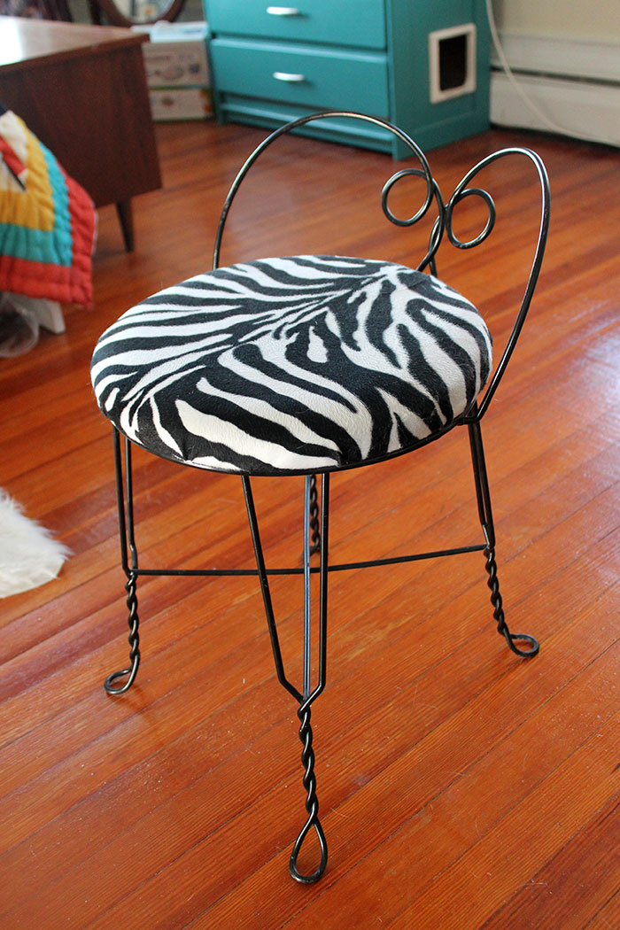 Diy Reupholstered Vanity Stool Unusually Lovely