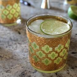 pineapple gin & Tonic