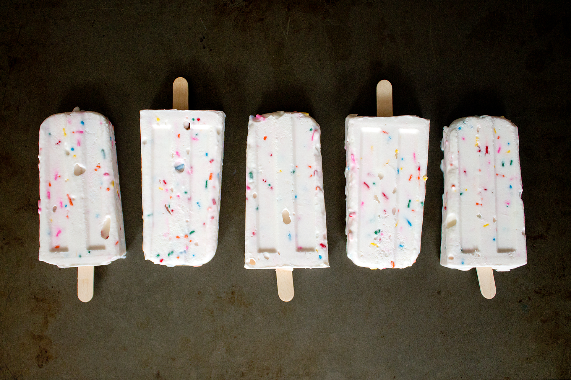 Funfetti Cake Batter Popsicles via Unusually Lovely
