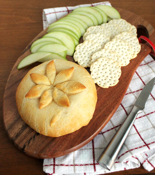 Baked Brie via Unusually Lovely