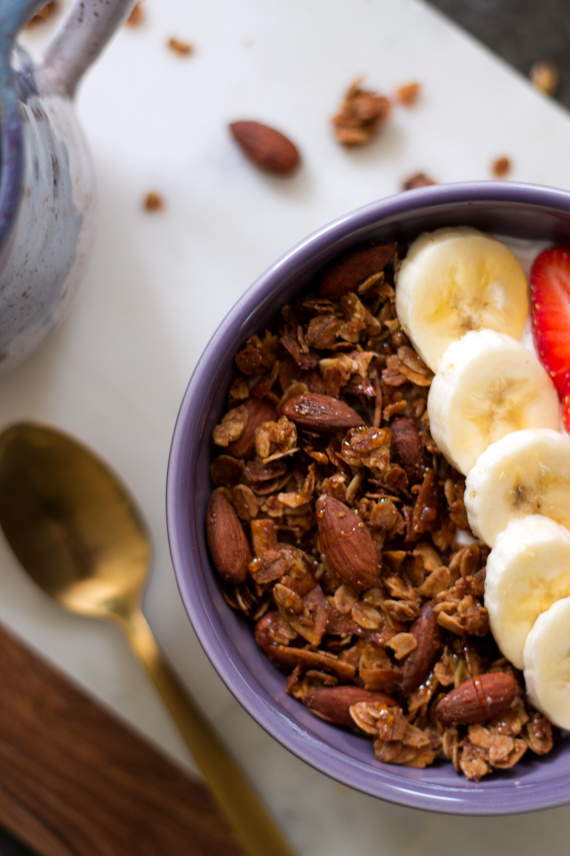 Easy Granola from the Unusually Lovely blog