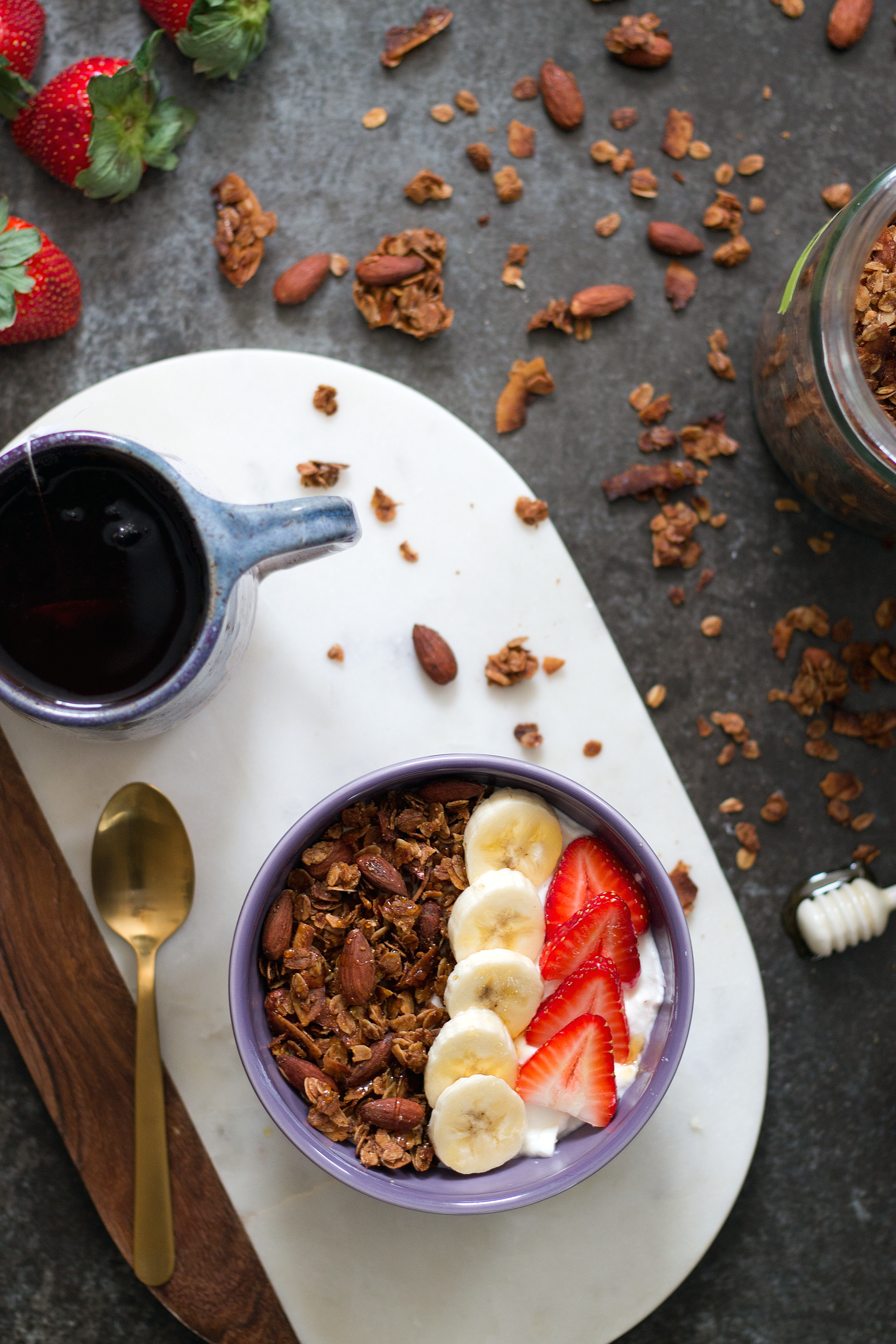 Granola with cinnamon, almonds, and coconut. Unusually Lovely blog