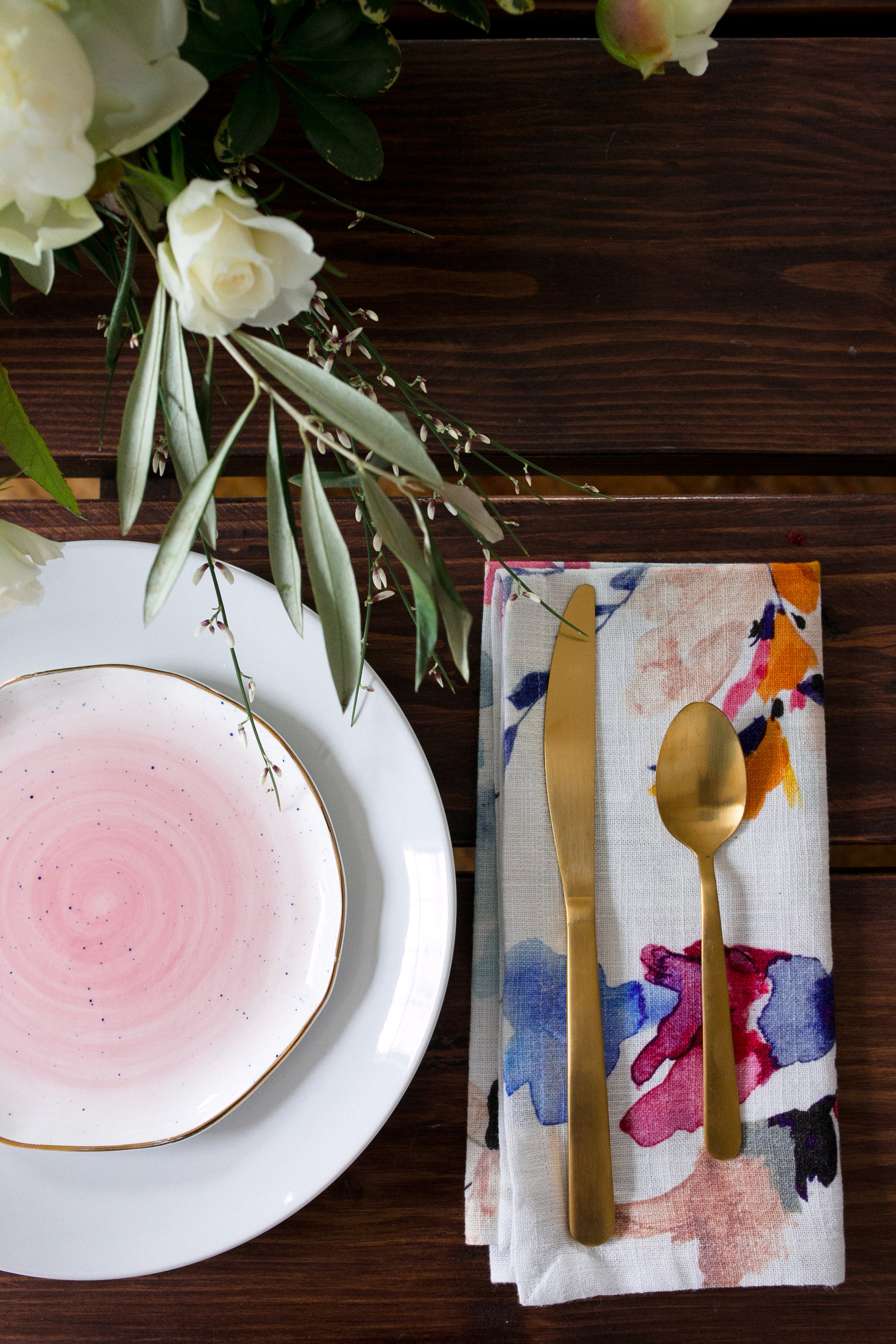 Tablesetting from Galentine's Day from Unusually Lovely