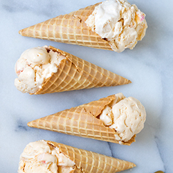 french-style peach ice cream