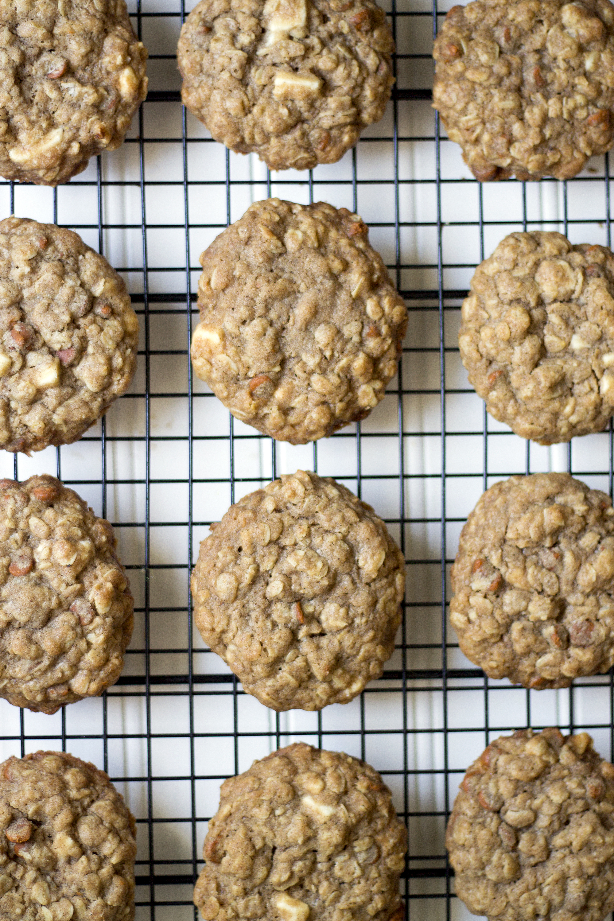 White Chocolate Oatmeal Cookies. Get the recipe on UnusuallyLovely.com