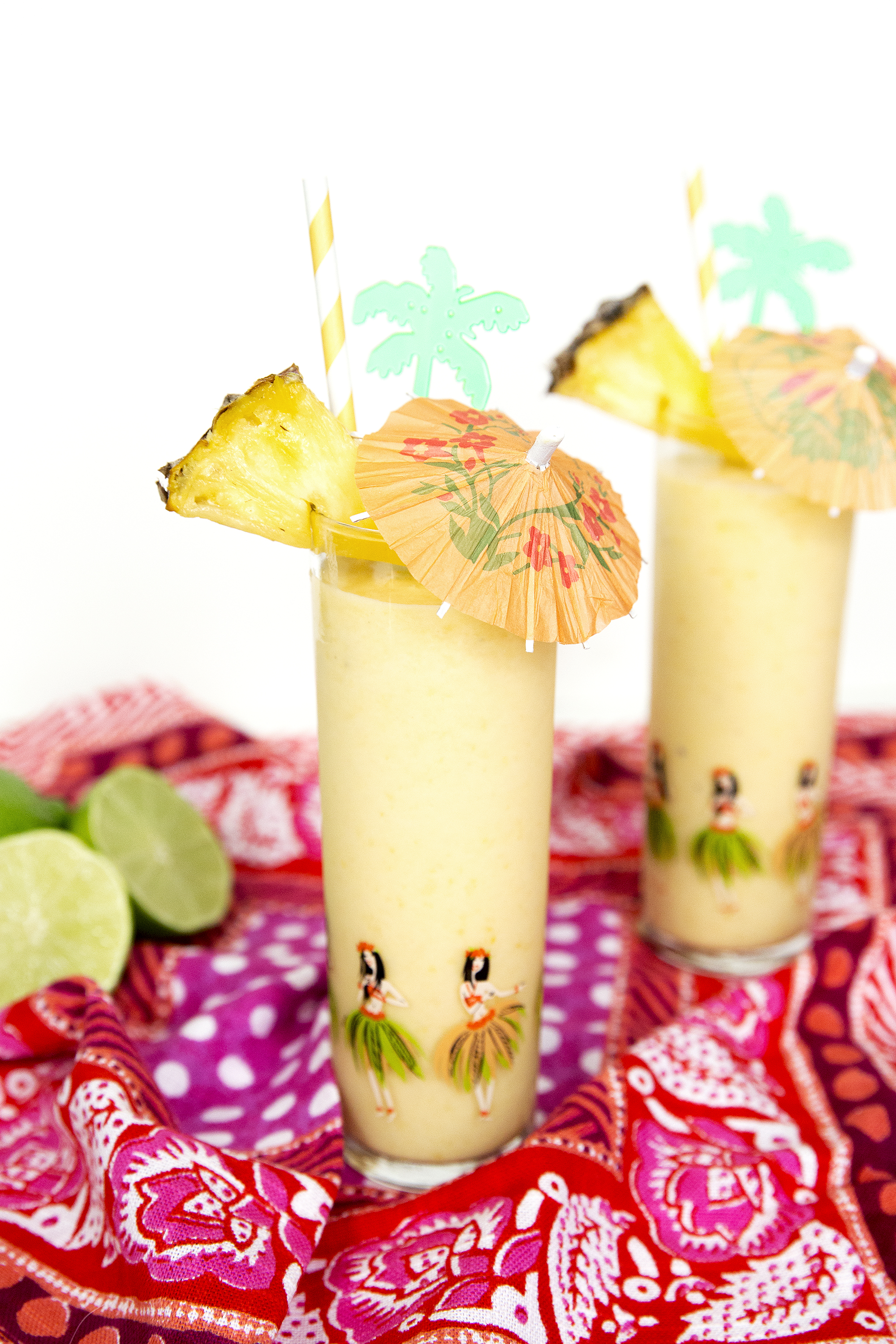 Throw a little mango into your traditional Pina Colada! Get the recipe for this Mango Colada: unusuallylovely.com