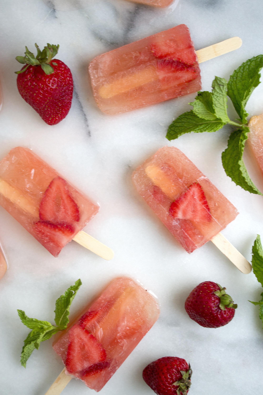 Strawberry Mojito Popsicles via UnusuallyLovely.com