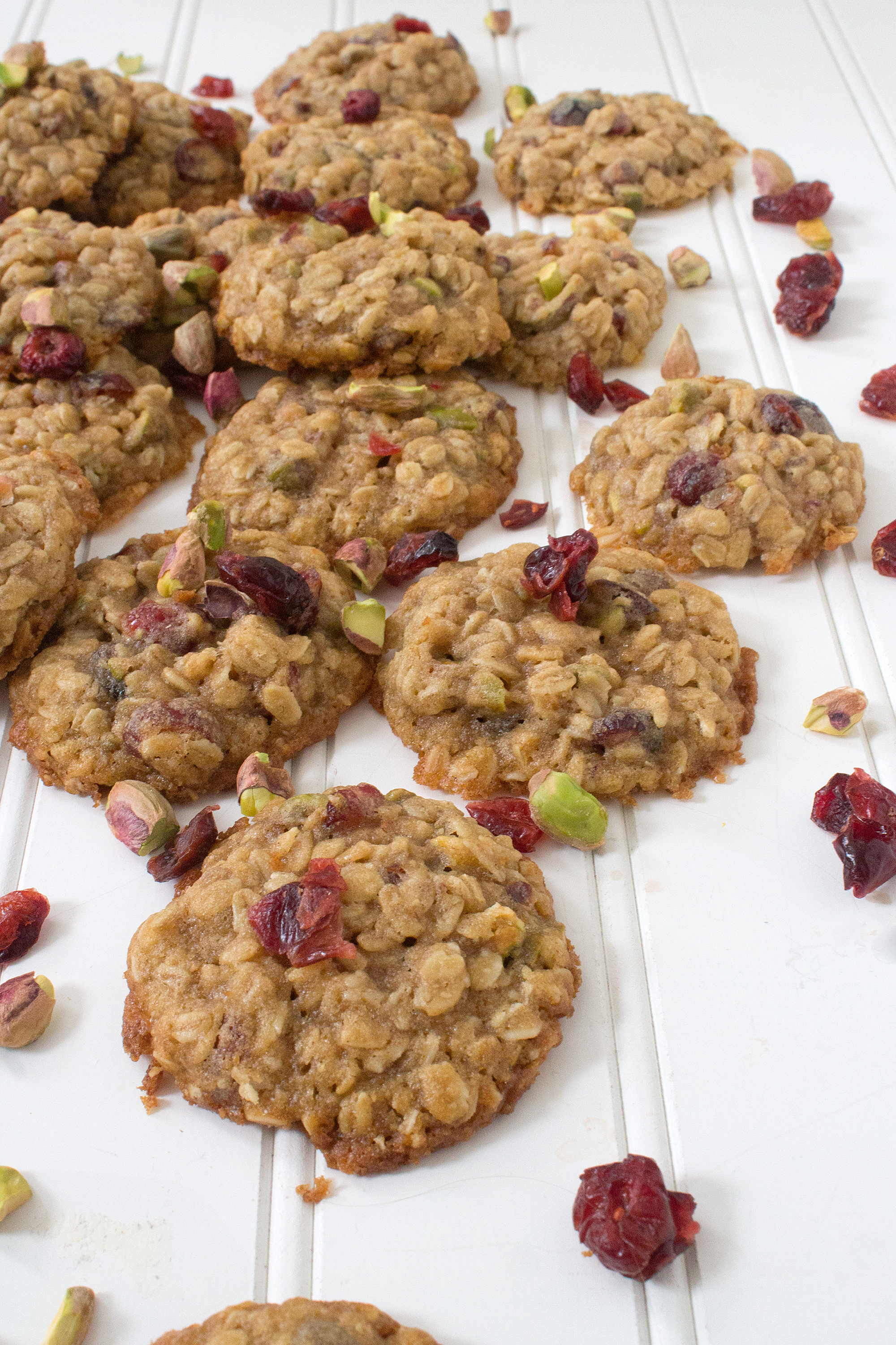 The perfect sweet + salty cookie: Oatmeal Cookies with Pistachios and Dried Cranberries. Get the recipe: Unusuallylovely.com