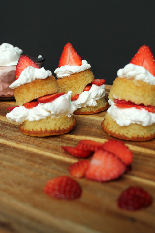 Mini Strawberry Shortcakes via UnusuallyLovely.com