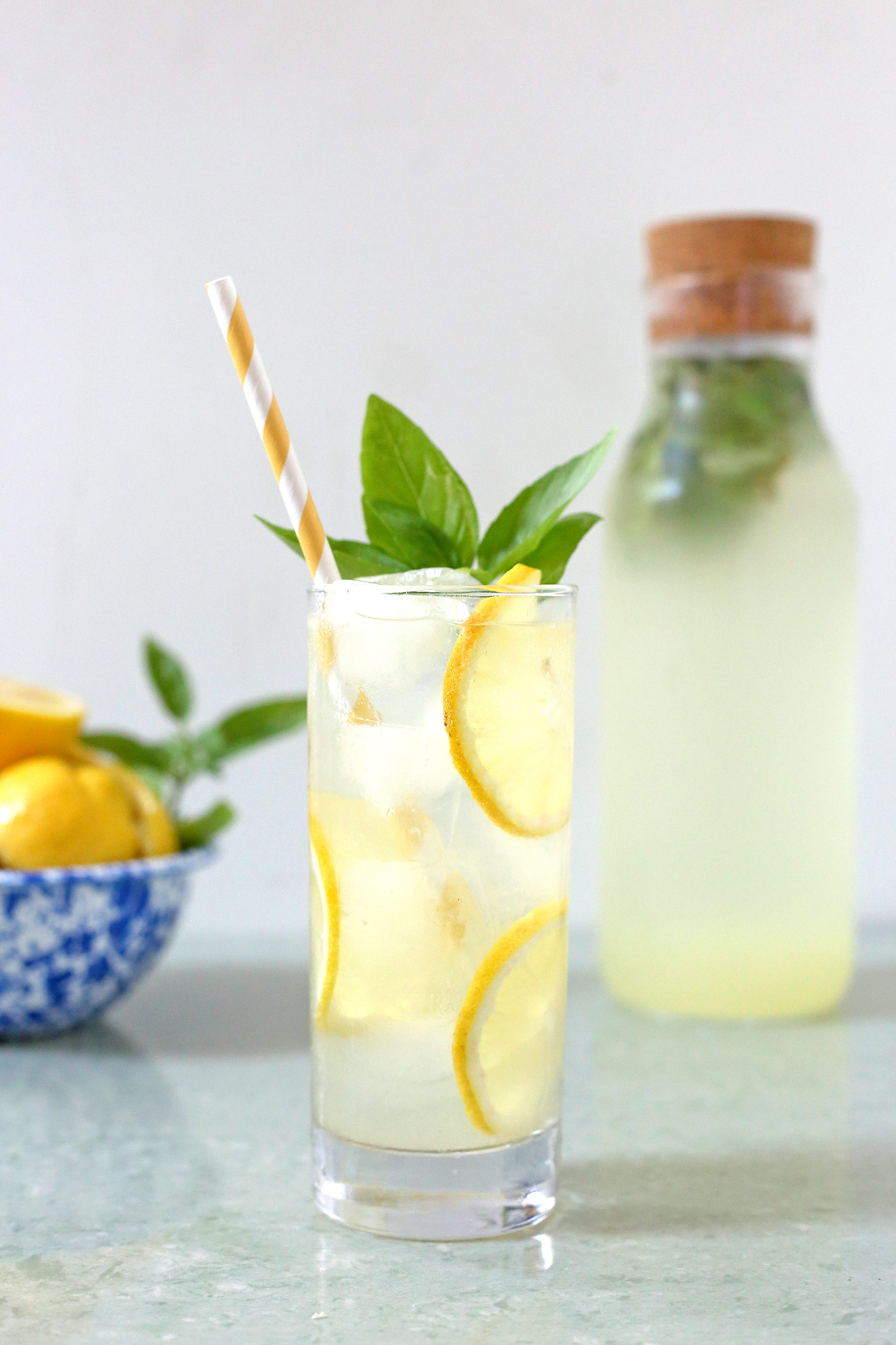 Boozy & Bubbly Basil Lemonade via UnusuallyLovely.com