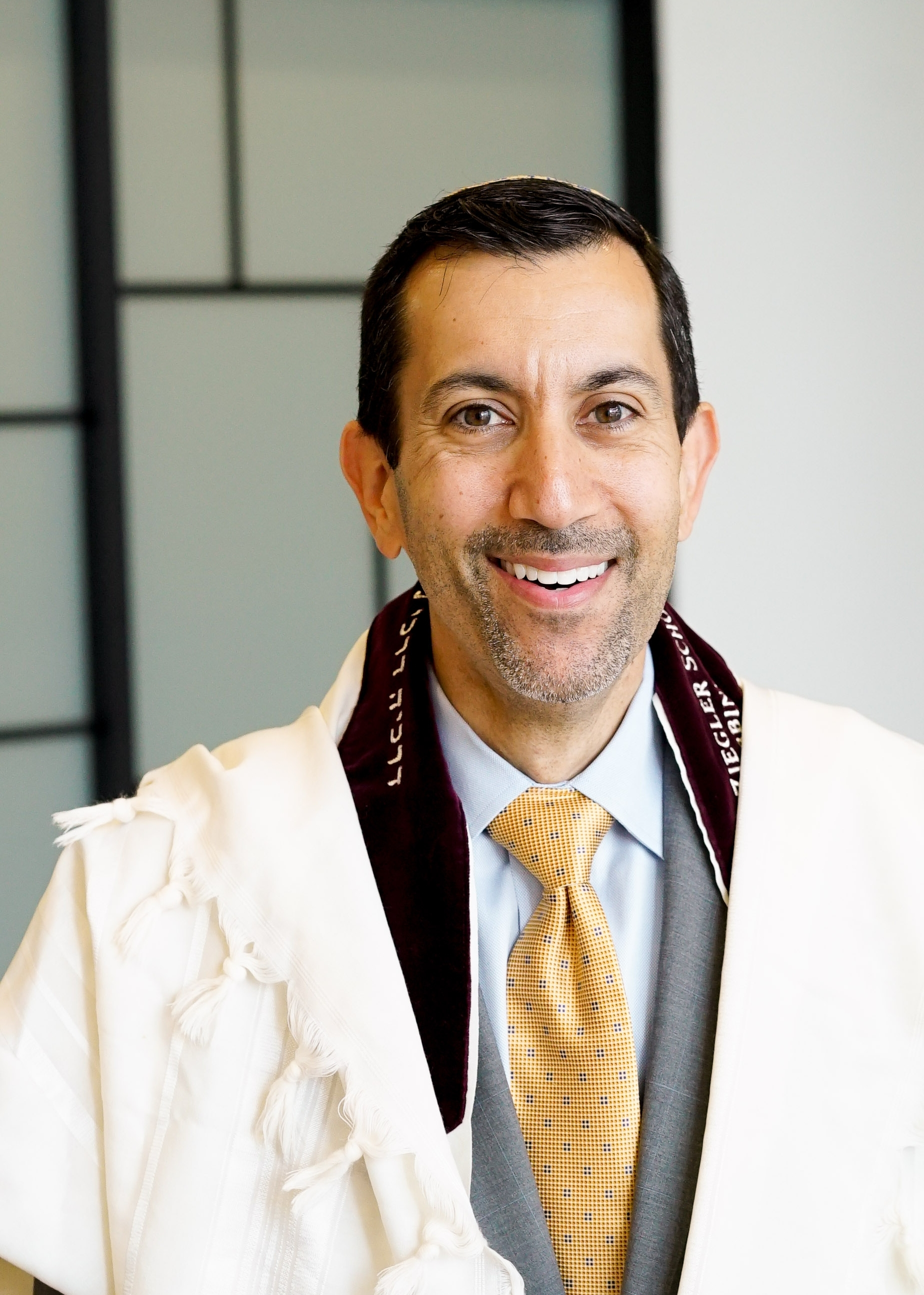 Rabbi Joshua Kalev   Senior Rabbi
