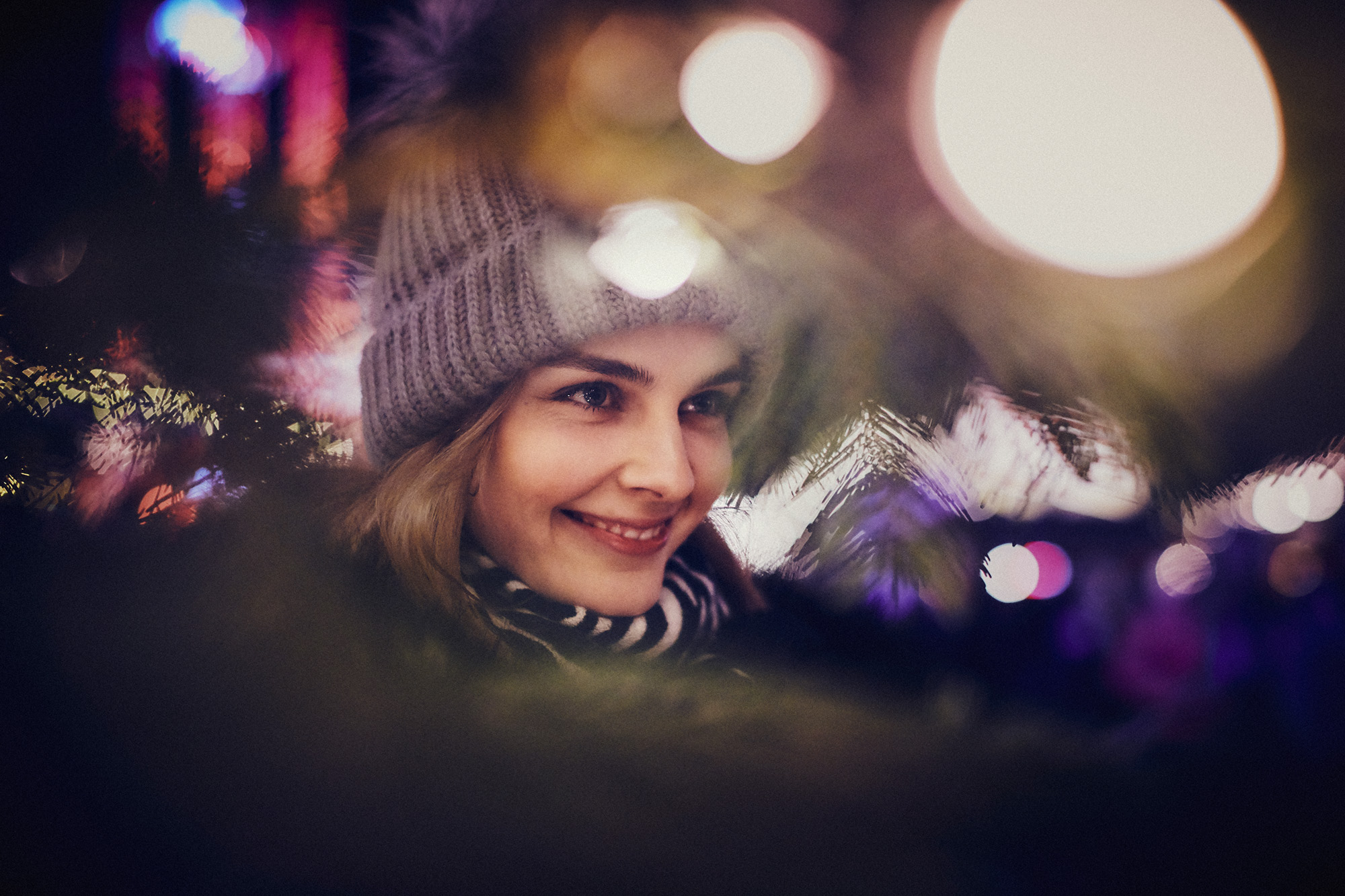 winter lifestyle photography christmas lights