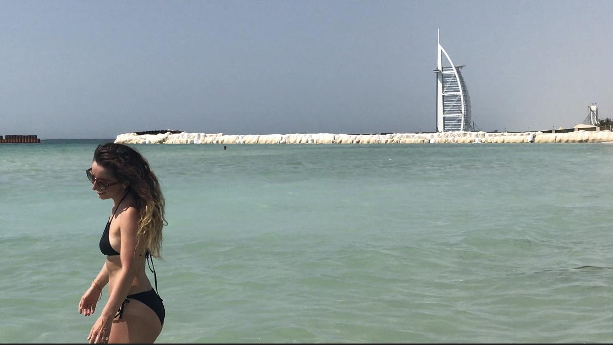 LULU BEACH • DUBAI, UAE PHOTOGRAPHER:ELIE