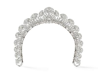 Cartier London   Halo tiara 1934 platinum, round old- and baguette-cut diamonds 4 cm (height) Collection Cartier © Cartier Photo: Nils Herrmann