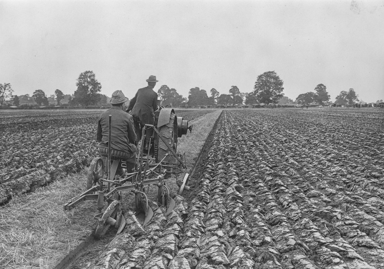 Alberta Heritage farming picture.jpg