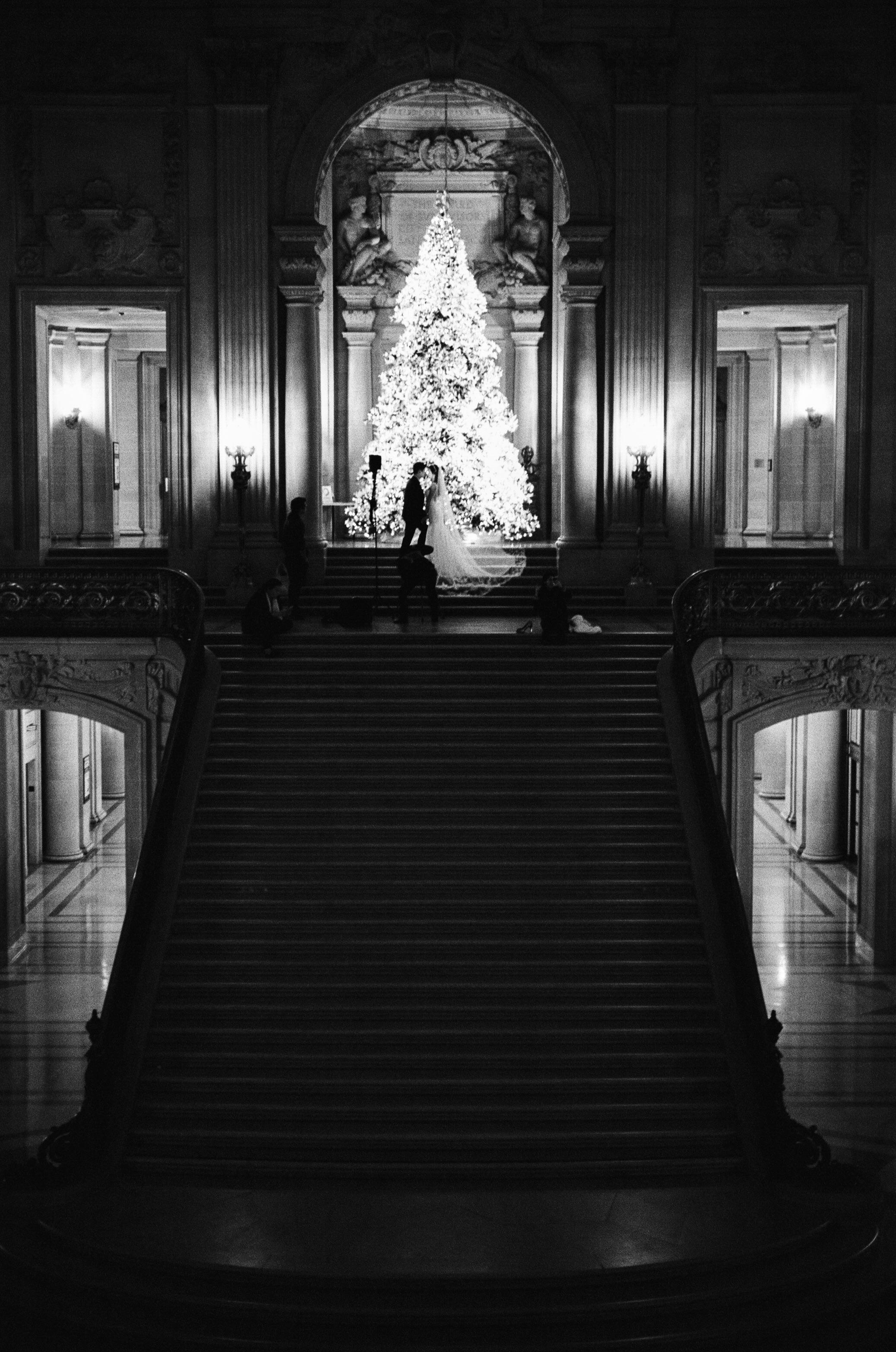 Caught a wedding shoot at SF city hall