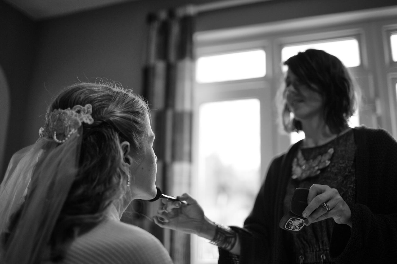 Bristol-Wedding-Photographer-Mark-Barnes-Guyers-House-Corsham-Alison-and-Giles-5.jpg