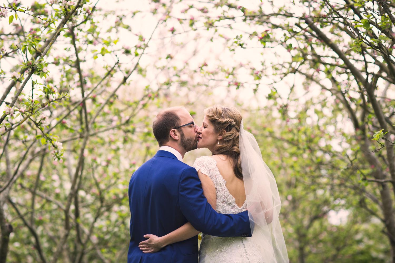 Bristol-Wedding-Photographer-Mark-Barnes-Guyers-House-Corsham-Alison-and-Giles-48.jpg