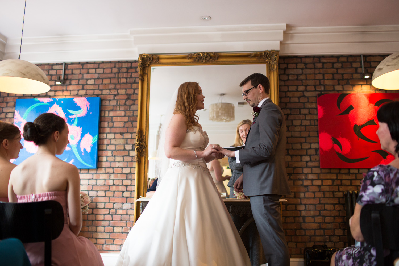 Mark_Barnes_Bristol_Wedding_Photographer_The_Square_Hotel_Bristol_wedding_photography-28.jpg
