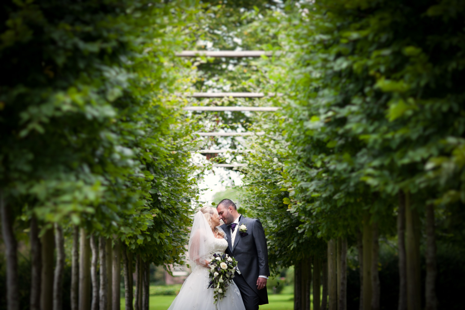 Mark_Barnes_Bristol-wedding-photography-aldwick-court-farm-and-vineyard-wedding-Photography-33.jpg