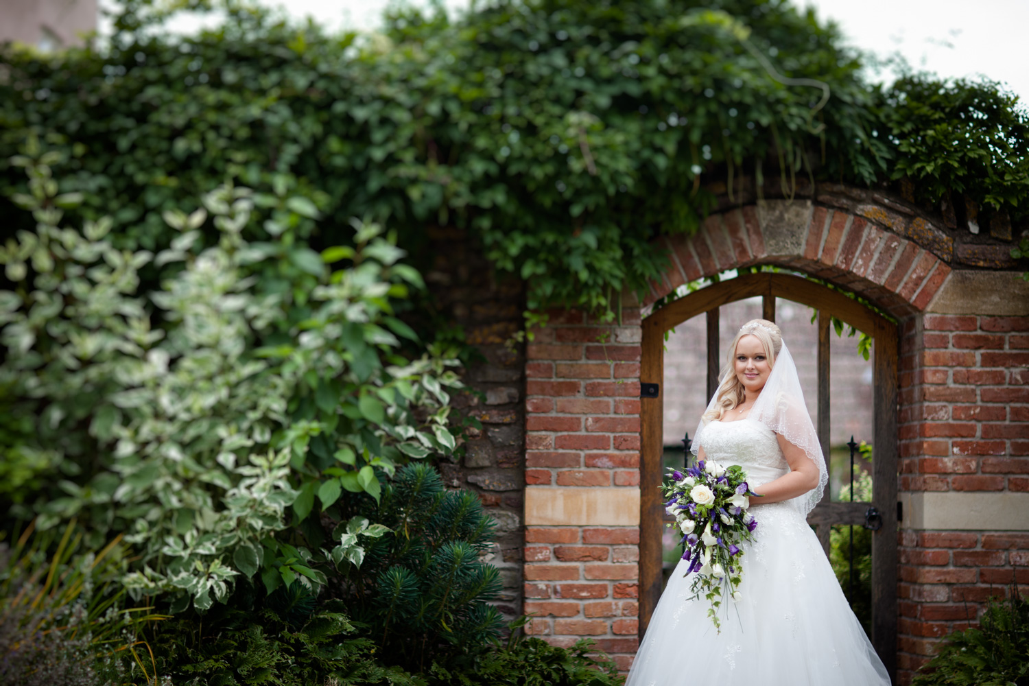 Mark_Barnes_Bristol-wedding-photography-aldwick-court-farm-and-vineyard-wedding-Photography-35.jpg