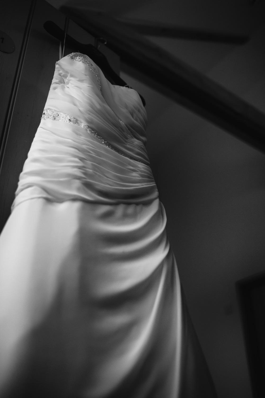 Mark_Barnes_Bristol_wedding_photographer_folly_farm_centre_weding _photography-4.jpg