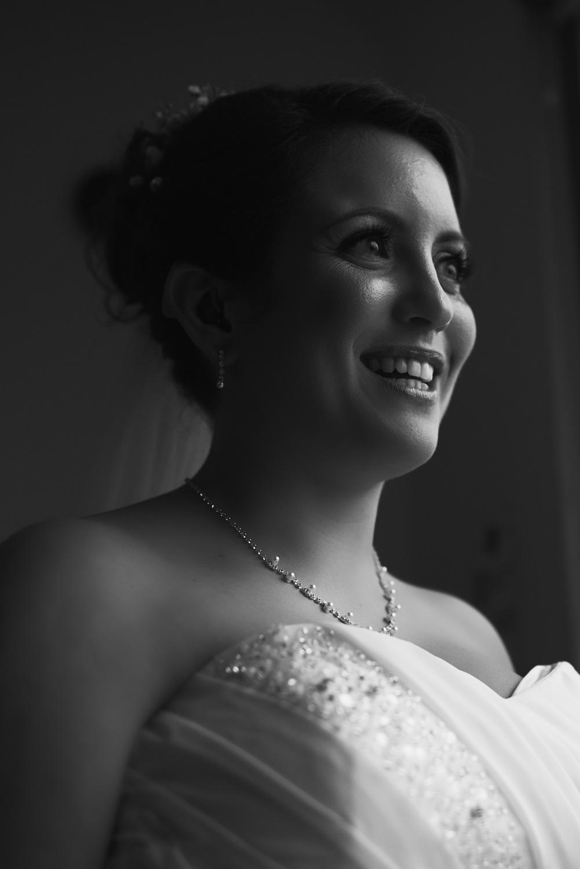 Mark_Barnes_Bristol_wedding_photographer_folly_farm_centre_weding _photography-13.jpg