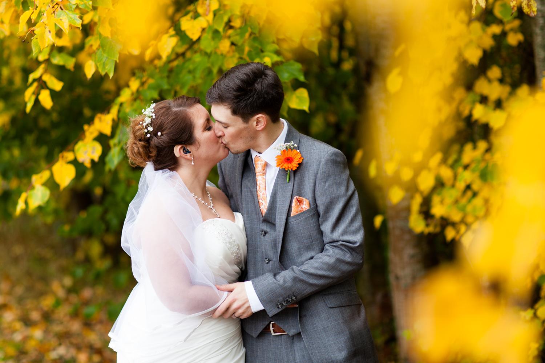 Mark_Barnes_Bristol_wedding_photographer_folly_farm_centre_weding _photography-28.jpg