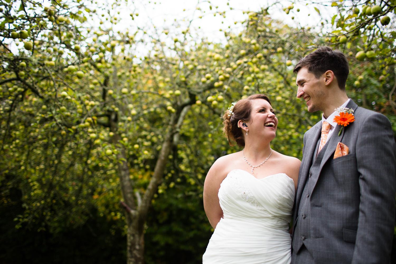 Mark_Barnes_Bristol_wedding_photographer_folly_farm_centre_weding _photography-33.jpg